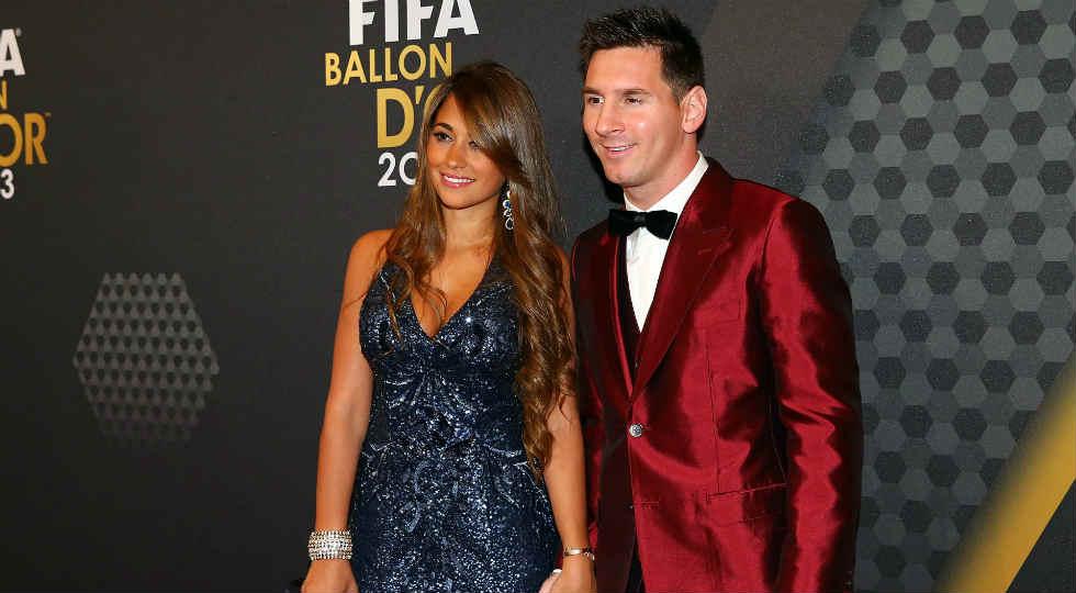 pasangan pemain sepak bola